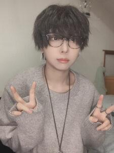 歌手 yama yama(歌手)出身地や年齢は?性別は女性で確定?素顔について調査 Luke happy